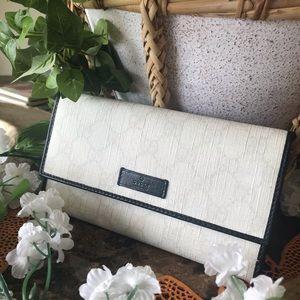 Gucci Bags - GUCCI GG PLUS Monogram Continental B&W Wallet ♥️♥️